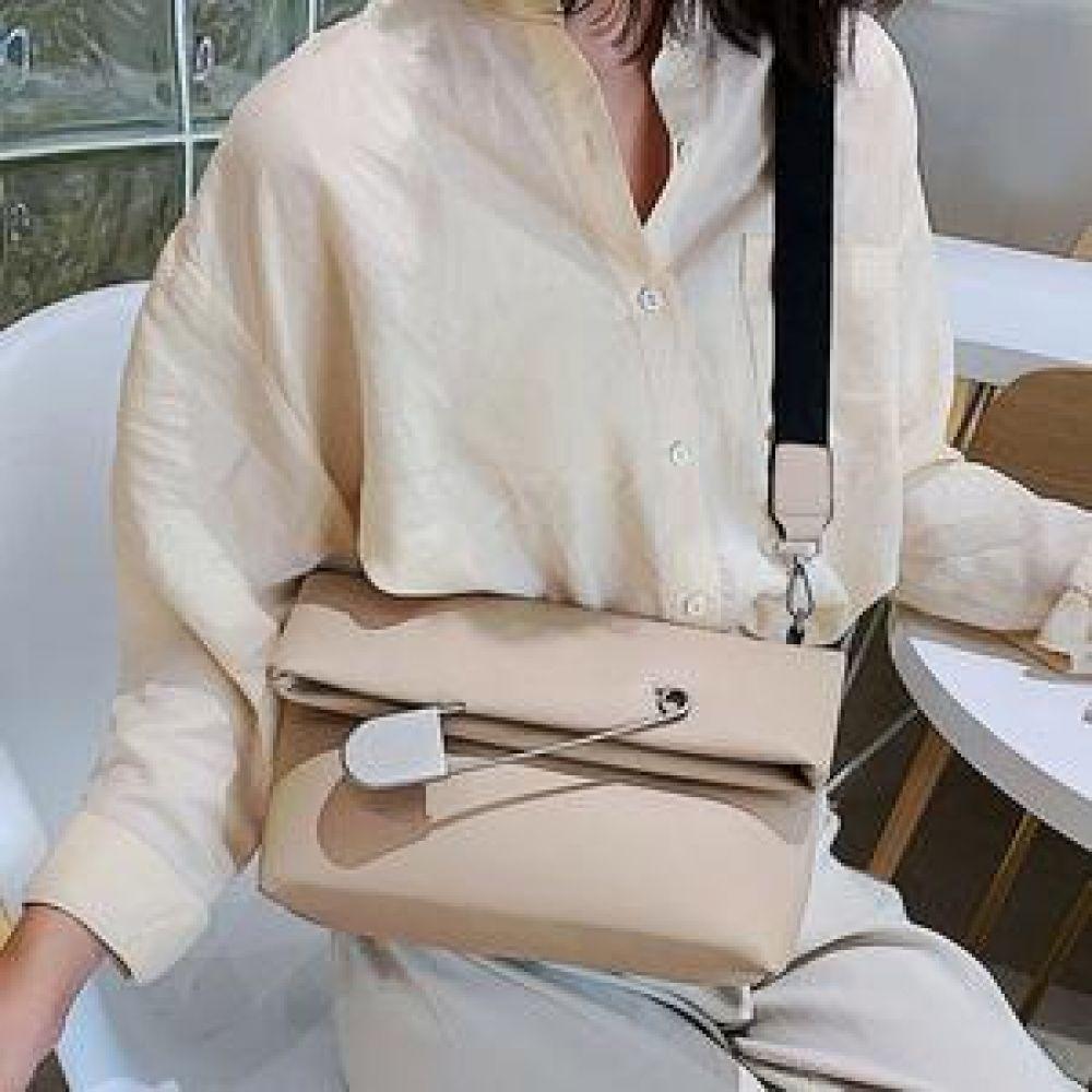 클러치백 URB옷핀 가방 핸드백 백팩 숄더백 토트백