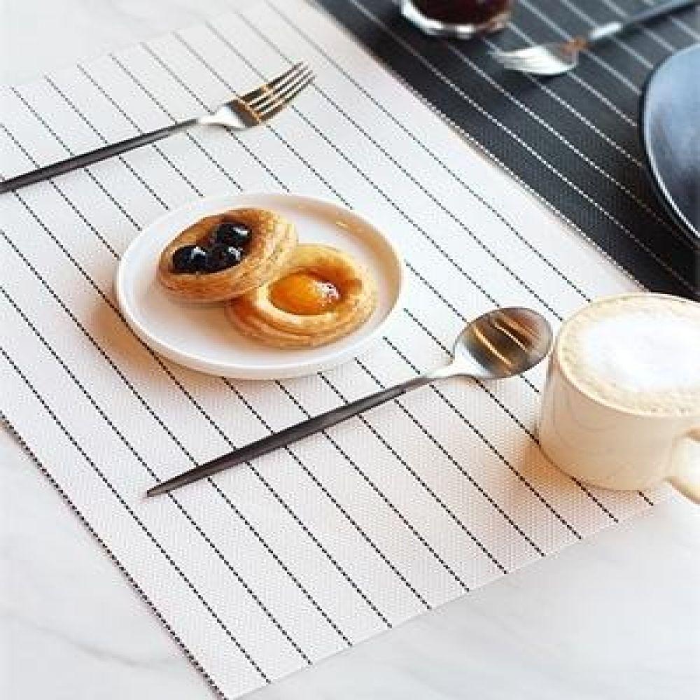 모던 스트라이프 테이블 매트 (2color) 주방요품 주방소품 식탁매트 인테리어소품 장식소품
