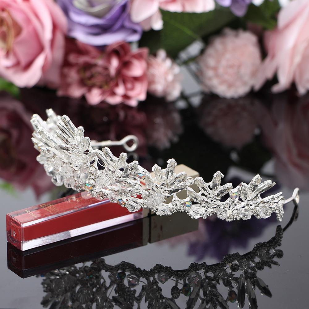 티아라 왕관 헤어장식 셀프웨딩 웨딩 눈꽃여왕 티아라왕관 왕관 브라이덜샤워 머리장식 신부헤어