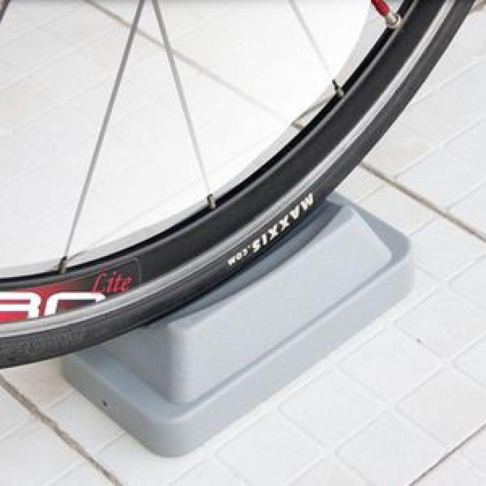자전거 트레이너 휠받침대 자전거로라받침대 자전거휠받침대 자전거앞바퀴받침대 자전거트레이너받침대 휠받침대