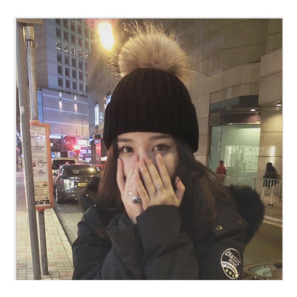 겨울 방울 털모자 블랙 겨울모자 방울모자 니트모자 방한용품 겨울모자 방울모자 털모자 니트모자