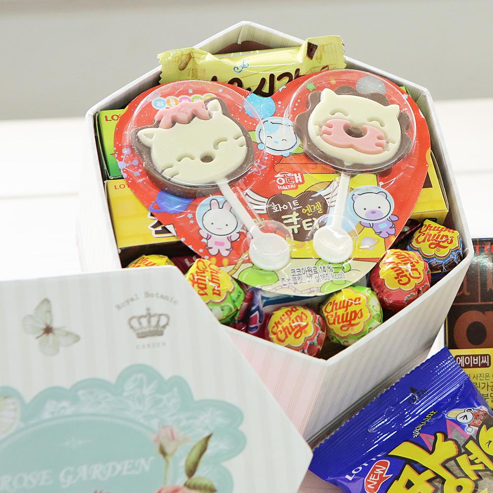 플라워육각박스(소) 화이트데이 발렌타인데이 사탕 발렌타인데이 발렌타인데이선물 발렌타인 화이트데이 화이트데이사탕 화이트데이선물 사탕 막대사탕 캔디 여자친구선물