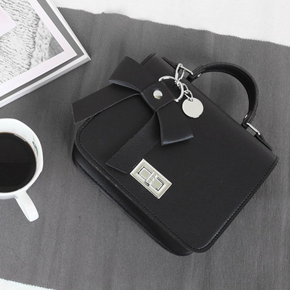 블랙 여성 귀여운 스타일 핸드백 크로스 리본 장식 이쁜핸드백 손가방 이쁜가방 20대 30대