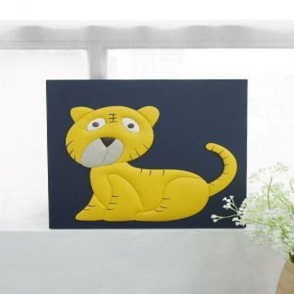 호랑이 가죽 입체 액자 그림액자 벽걸이액자 벽장식소품 스탠드액자 인테리어소품
