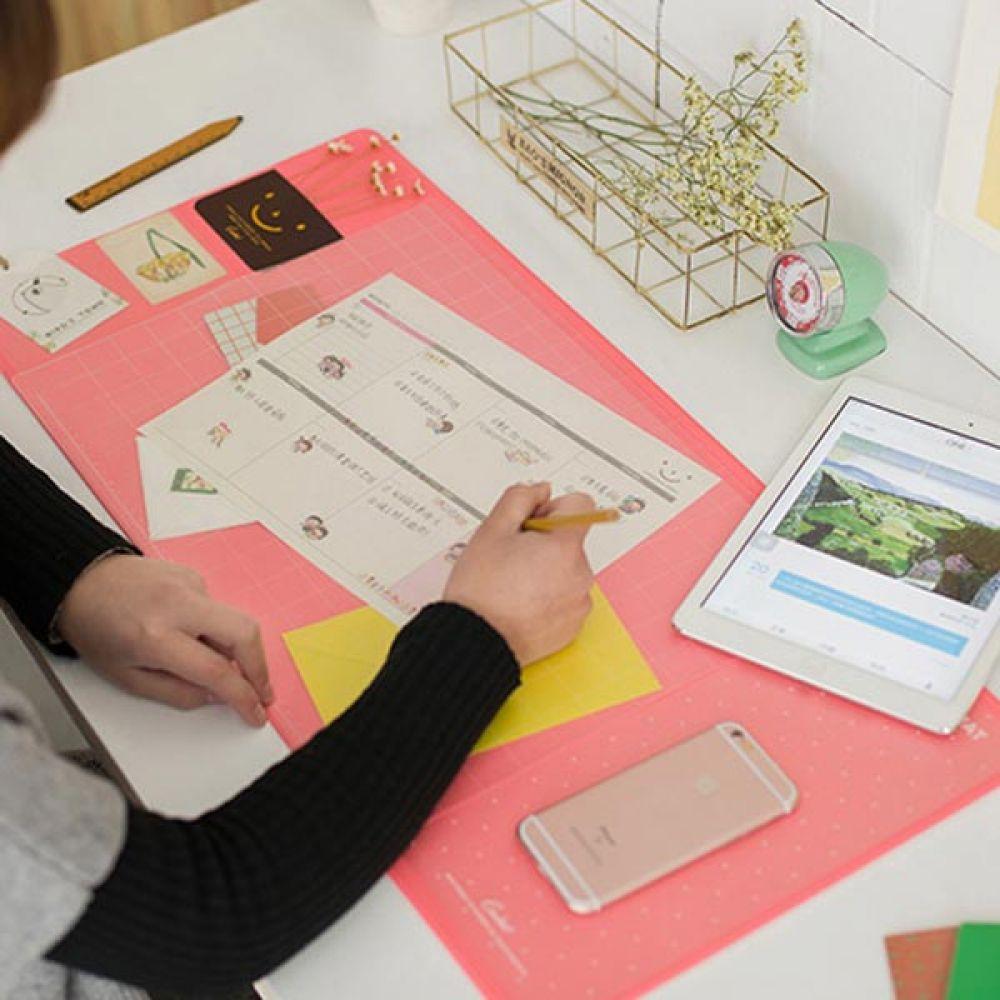 멀티 데스크매트 핑크 책상패드 데스크패드 책상커버 책상덮개 책상깔개 테이블매트 책상패드 책상커버
